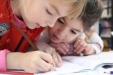 Hotnews.ro: Ministerul Educaţiei rescrie toate manualele noi de la clasa I