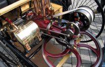 3 iulie 1886: Karl Benz testează public și cu succes primul automobil cu combustie internă