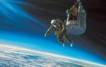 16 august 1960: Salt de la peste 31.000 m cu o parașută cu deschidere întârziată.