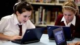 """Proiectul """"Wireless Campus"""": 210 milioane de lei pentru internet în 4500 de școli"""