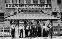7 septembrie 1888: a fost folosit primul incubator pentru copii în Statele Unite