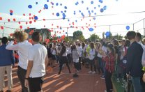 Prima zi în școlile private: baloane, veselie și tradiții în loc de formalități