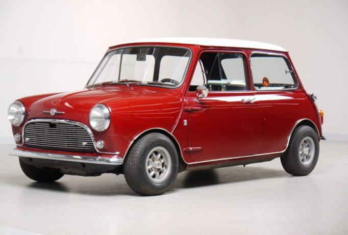 mașină Mini