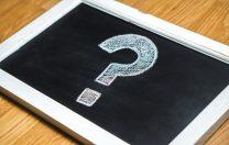 Q&A: Au voie profesorii să-i oblige pe elevi să cumpere un anumit material auxiliar?
