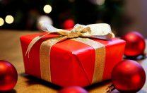 """Cadoul de Crăciun pentru """"doamna"""". Pasul mic și periculos de la """"dar"""" la """"mită"""""""