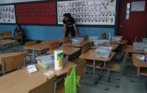 Gripa în România. Părinții au început să dezinfecteze singuri sălile de clasă