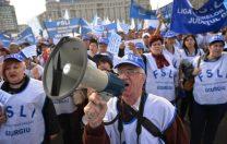 Sindicatele din Educație cer Senatului să aprobe urgent o lege pentru protecția profesorilor