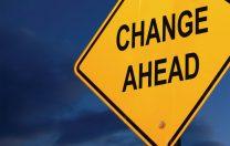 """""""Părinții cer schimbare"""": Ne deranjează că nu se face educație, ci instrucție și predare de informații"""