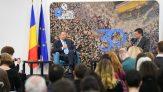 """Iohannis: """"Nu este suficient să știi mate sau fizică sau literatură. Trebuie să fii un cetățean implicat"""""""