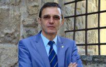 """Președintele Academiei Române: """"Astăzi, dascălii sunt vânați chiar și dacă primesc câte o floare"""""""