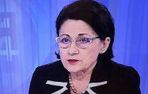 """Ecaterina Andronescu: """"Nu sunt magicianul care dă din baghetă și schimbă lumea într-o clipă!"""""""