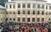 Colegiul Național Gheorghe Lazăr a fost evacuat, după ce o elevă bolnavă de meningită a murit