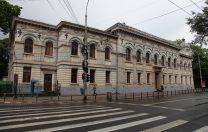 """Părinte al unui elev de la C.N. Gheorghe Lazăr: """"I-a dat bodyguardul afară!"""". Cum răspunde liceul"""