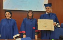 Ecaterina Andronescu, șefa comisiei de laudatio pentru Adrian Năstase. Fostul premier a devenit doctor honoris causa