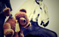 Două îngrijitoare de la o creșă, cercetate de Poliție pentru că ar fi agresat copii