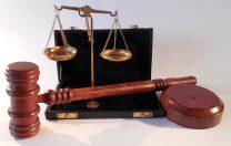 Un elev mutat disciplinar și-a dat în judecată fosta școală și a câștigat procesul