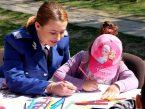 """Jandarmeria face o campanie în școli: """"De la băieței avem așteptări mari. Cu fetițele avem câteva secrete"""""""