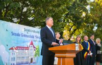 """Președintele Klaus Iohannis: """"Unii politicieni se tem de școală!"""""""