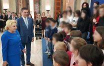 Șeful CJ Constanța a dus 51 de copii instituționalizați la Guvern și i-a pozat cu Viorica Dăncilă