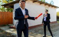 Situație tragicomică în Ialomița: toaleta unei școli a fost inaugurată de două ori
