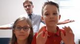Mesajul pentru mobilizare la vot al profesorului Marcel Bartic: un clip filmat împreună cu copiii săi
