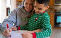 UNICEF și OIM: Familiile vor resimți repercusiunile pandemiei ani la rând