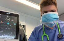 Scade saturația de oxigen atunci când purtăm mască? Un medic a purtat 6 măști pentru a demonstra că nu