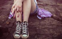 Salvați Copiii: Aproape un sfert din mamele minore din UE trăiesc în România. 83% dintre ele abandonează școala