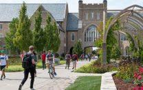 Universitatea Notre Dame își oprește cursurile după 8 zile. 146 de studenți, găsiți infectați cu SARS-Cov-2