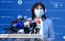 Anisie și Tătaru confirmă: Familiile care au persoane cu risc pot cere învățământ online