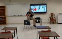 """Melodia din serialul """"Friends"""", transformată de un profesor în imn al noului an școlar"""
