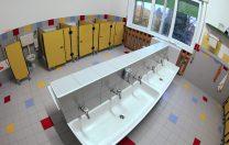 Guvernul vrea să aloce 233.000 de lei către primării pentru toaletele din școli. Dacă banii nu sunt cheltuiți, vor fi returnați