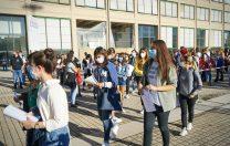 CMBSU: Masca va fi obligatorie în Bucureşti pe o rază de 50 m în jurul școlilor