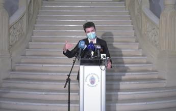 Nicușor Dan: Școlile din București rămân închise până când vom scădea sub indicele de 3