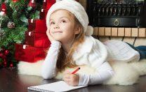 """""""Moș Crăciun, să intri pe ușa din față, pentru că cea din spate e pentru bunici"""". Pandemia, în scrisorile copiilor"""