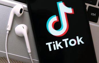 """Furtul de lucruri din școală, """"provocare"""" virală pe TikTok. Platforma elimină videoclipurile"""