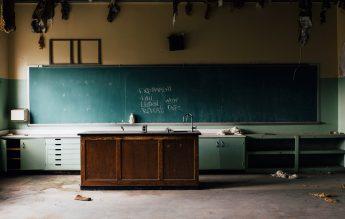 Raport global: Una din trei țări nu a implementat programe remediale pentru elevi