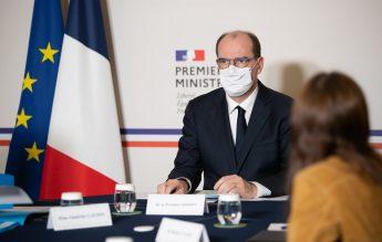 Franța se pregătește de vaccinarea adolescenților în școli, la întoarcerea din vacanță