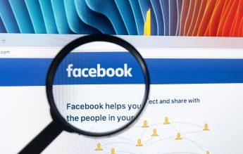 O persoană, amendată pentru că a distribuit pe Facebook o filă din registrul de evidență al unei grădinițe și poza unui fluturaș de salariu