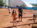 """""""Toți copiii merită să joace sporturile frumoase""""- Codruț Baciu, fondatorul asociației care îi aduce la tenis pe copiii din categorii vulnerabile"""