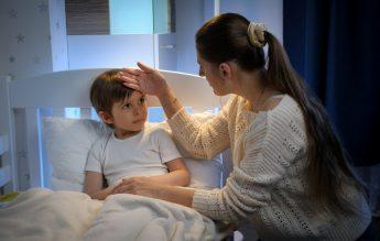 SUA: 252.000 de cazuri Covid la copii, într-o singură săptămână. Numere record de la începutul pandemiei